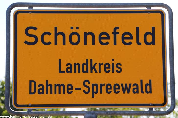 Ortsschild Schönefeld